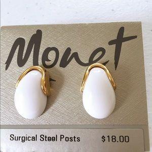 Monet NWT White Enamel Gold Setting Surgical Post